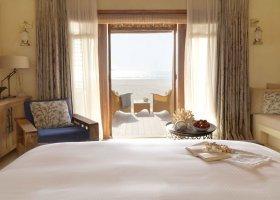 sir-bani-yas-island-hotel-al-yamm-villa-resort-030.jpg