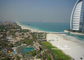 spojene-arabske-emiraty-cerven-2009-009.jpg