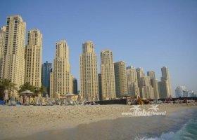 spojene-arabske-emiraty-cerven-2009-012.jpg