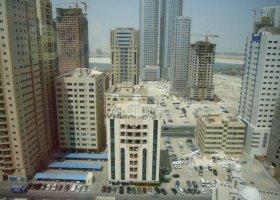 spojene-arabske-emiraty-cerven-2009-016.jpg