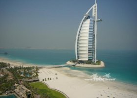 spojene-arabske-emiraty-cerven-2009-041.jpg