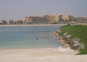 spojene-arabske-emiraty-cerven-2009-061.jpg