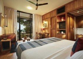 sri-lanka-hotel-heritance-kandalama-011.jpg