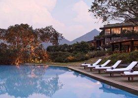 sri-lanka-hotel-heritance-kandalama-035.jpg