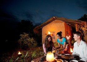 sri-lanka-hotel-heritance-kandalama-039.jpg