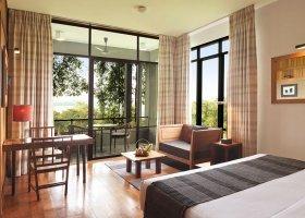 sri-lanka-hotel-heritance-kandalama-045.jpg