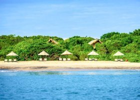 sri-lanka-hotel-jungle-beach-003.jpg