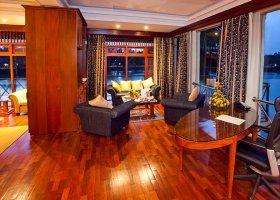 sri-lanka-hotel-mahaweli-reach-hotel-037.jpg