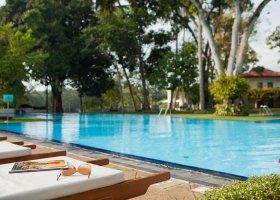 sri-lanka-hotel-mahaweli-reach-hotel-042.jpg