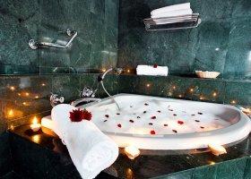 sri-lanka-hotel-mahaweli-reach-hotel-047.jpg