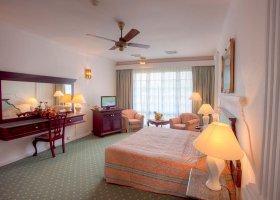 sri-lanka-hotel-mahaweli-reach-hotel-053.jpg