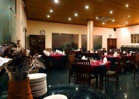 sri-lanka-hotel-randholee-luxury-resort-053.jpg