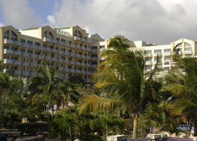st-martin-hotel-sonesta-maho-beach-resort-and-casino-003.jpg