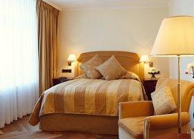 svycarsko-hotel-badrutt-s-palace-037.jpg