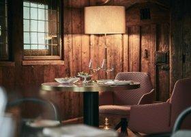 svycarsko-hotel-badrutt-s-palace-076.jpg