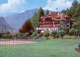 svycarsko-hotel-grand-hotel-park-001.jpg