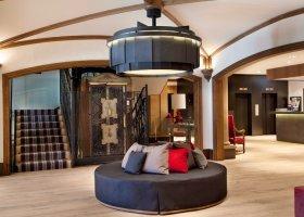 svycarsko-hotel-grand-hotel-park-005.jpg