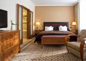 svycarsko-hotel-kempinski-grand-hotel-des-bains-045.jpg