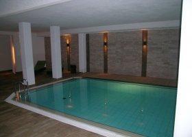 svycarsko-hotel-schweizerhof-007.jpg