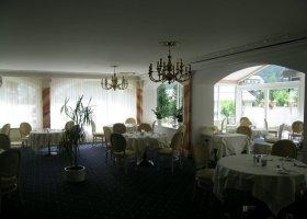 svycarsko-hotel-schweizerhof-009.jpg