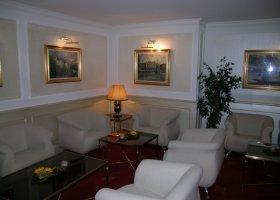 svycarsko-hotel-schweizerhof-016.jpg