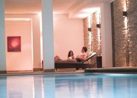 svycarsko-hotel-schweizerhof-018.jpg