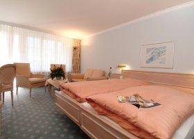 svycarsko-hotel-schweizerhof-023.jpg