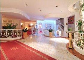 svycarsko-hotel-schweizerhof-029.jpg