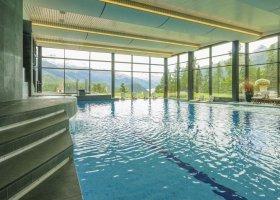 svycarsko-hotel-suvretta-house-051.jpg