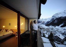 svycarsko-hotel-waldegg-007.jpg