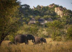 tanzanie-hotel-four-seasons-serengeti-060.jpg