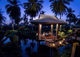 thajsko-hotel-anantara-phuket-villas-125.jpg