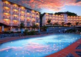 vietnam-hotel-cat-ba-island-resort-003.jpg