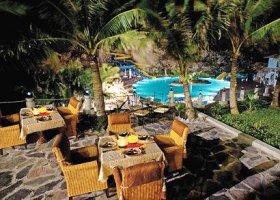 vietnam-hotel-cat-ba-island-resort-006.jpg
