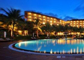 vietnam-hotel-vinpearl-002.jpg