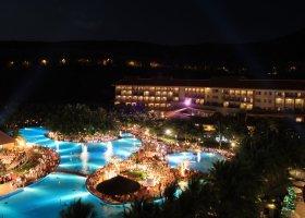 vietnam-hotel-vinpearl-004.jpg