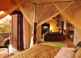 zambie-hotel-david-livingstone-safari-lodge-003.jpg