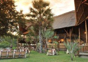 zambie-hotel-david-livingstone-safari-lodge-005.jpg