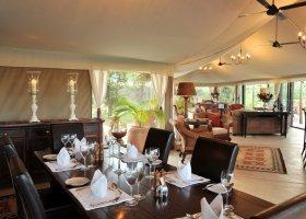 zimbabwe-hotel-elephant-camp-005.jpg