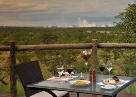zimbabwe-hotel-elephant-camp-014.jpg