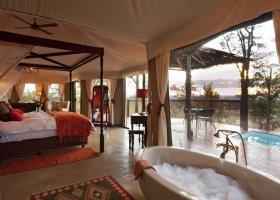 zimbabwe-hotel-elephant-camp-016.jpg