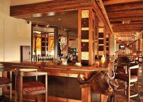 zimbabwe-hotel-victoria-falls-safari-lodge-001.jpg