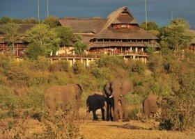 zimbabwe-hotel-victoria-falls-safari-lodge-004.jpg