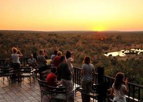 zimbabwe-hotel-victoria-falls-safari-lodge-008.jpg