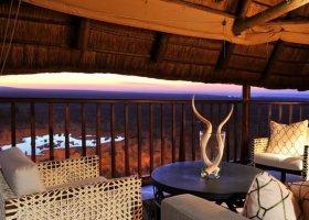 zimbabwe-hotel-victoria-falls-safari-lodge-010.jpg