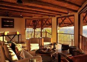 zimbabwe-hotel-victoria-falls-safari-lodge-013.jpg
