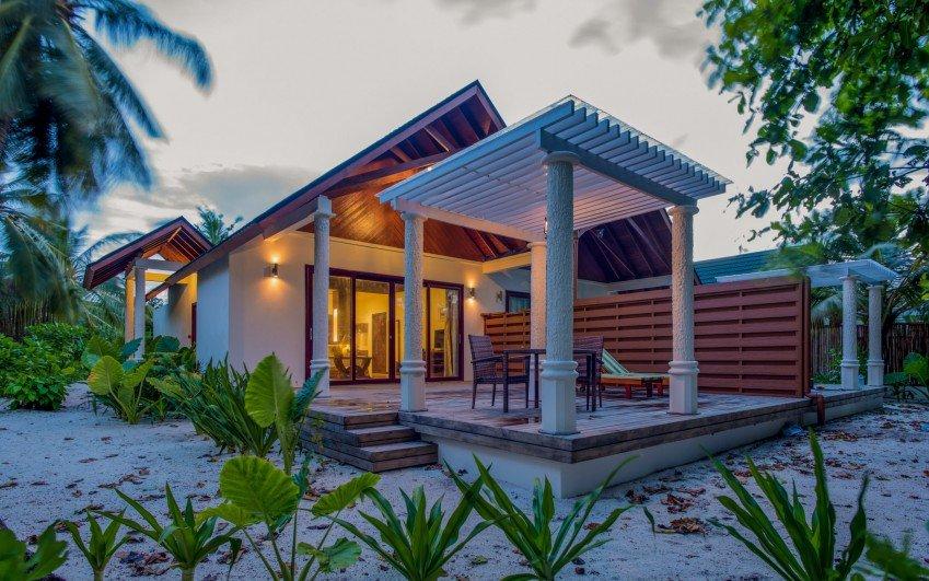 Furaveri Island Resort & Spa *****