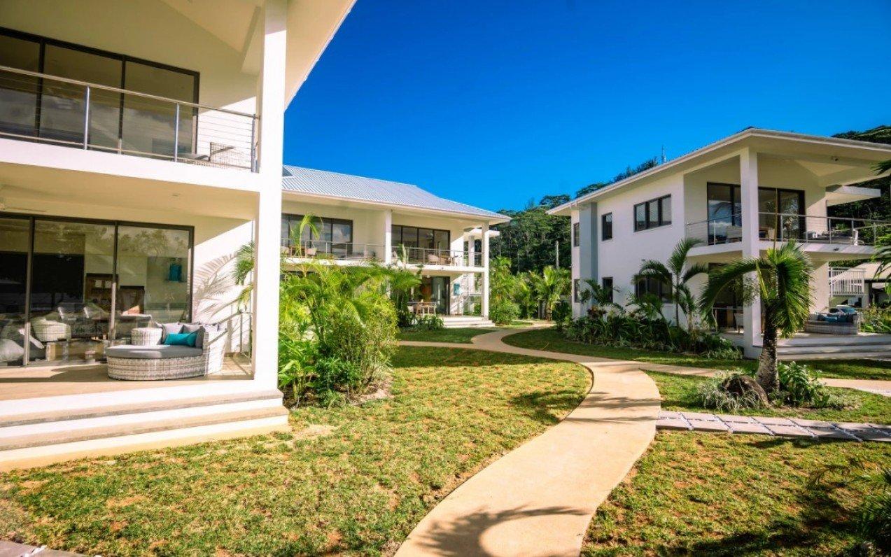 Pineapple Beach Villas
