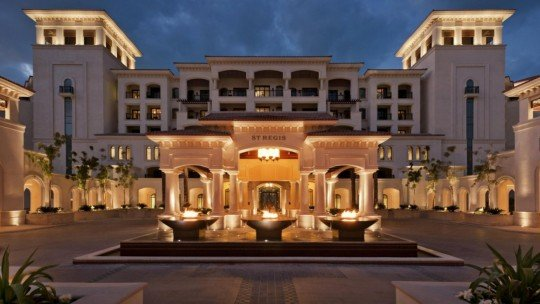 The St. Regis Saadiyat Island Resort, Abu Dhabi *****