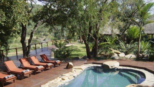 Amakhosi Safari Lodge *****